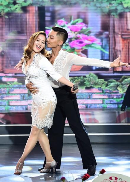 Hoa hậu Đỗ Mỹ Linh, Tiểu Vy cùng Tóc Tiên đẹp không góc chết tại đại tiệc sắc đẹp - Ảnh 3.