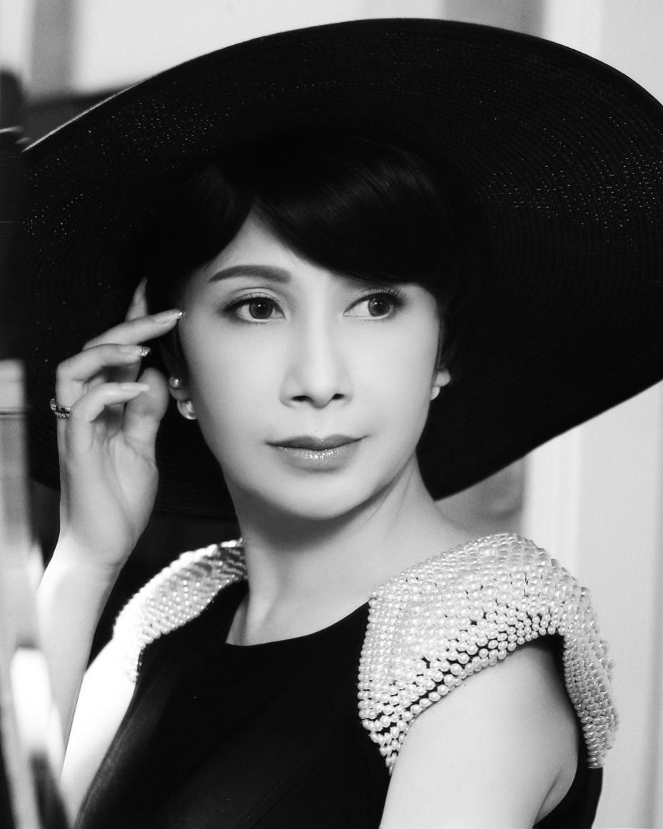 Hoa hậu Đỗ Mỹ Linh, Tiểu Vy cùng Tóc Tiên đẹp không góc chết tại đại tiệc sắc đẹp - Ảnh 6.
