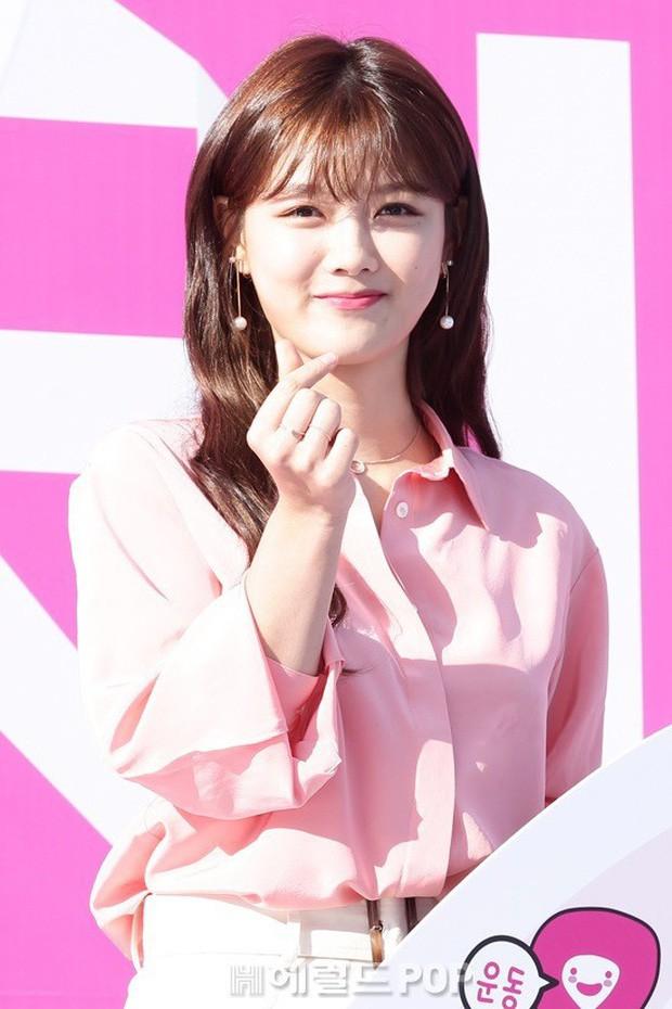 """Nữ diễn viên """"Mặt trăng ôm mặt trời"""" gây bất ngờ với nhan sắc nữ thần, được so sánh với Song Hye Kyo - Ảnh 3."""