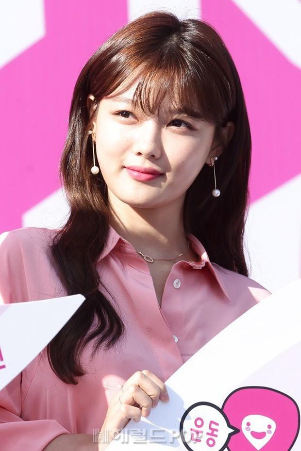 """Nữ diễn viên """"Mặt trăng ôm mặt trời"""" gây bất ngờ với nhan sắc nữ thần, được so sánh với Song Hye Kyo - Ảnh 5."""