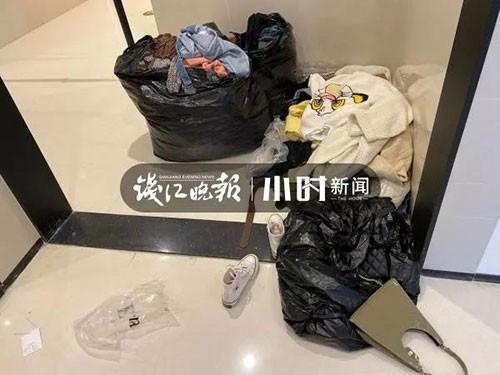 """Nhà vệ sinh trong trung tâm thương mại ở Hàng Châu bị một nhóm phụ nữ """"chiếm giữ"""" hàng giờ vì một lý do không ai ngờ - Ảnh 2."""