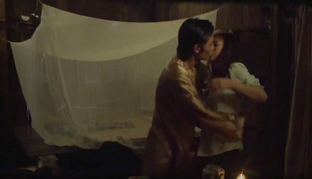 """Cảnh nóng 18+ ở """"Tiếng sét trong mưa"""": Bà chủ cưỡng bức người hầu, màn ân ái phát ra tiếng làm ai cũng đỏ mặt  - Ảnh 15."""