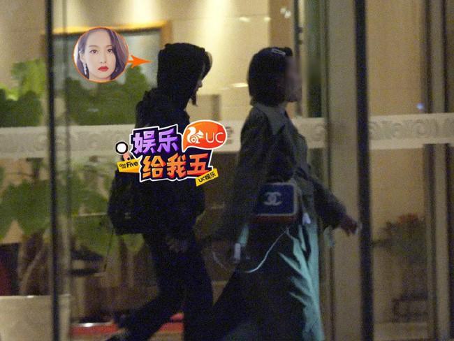 """Đám tang riêng tư của Sulli: DBSK lặng lẽ trở về Hàn Quốc, các thành viên f(x) chuẩn bị tề tựu đông đủ để tiễn đưa """"đóa hoa lê tháng 3""""  - Ảnh 4."""