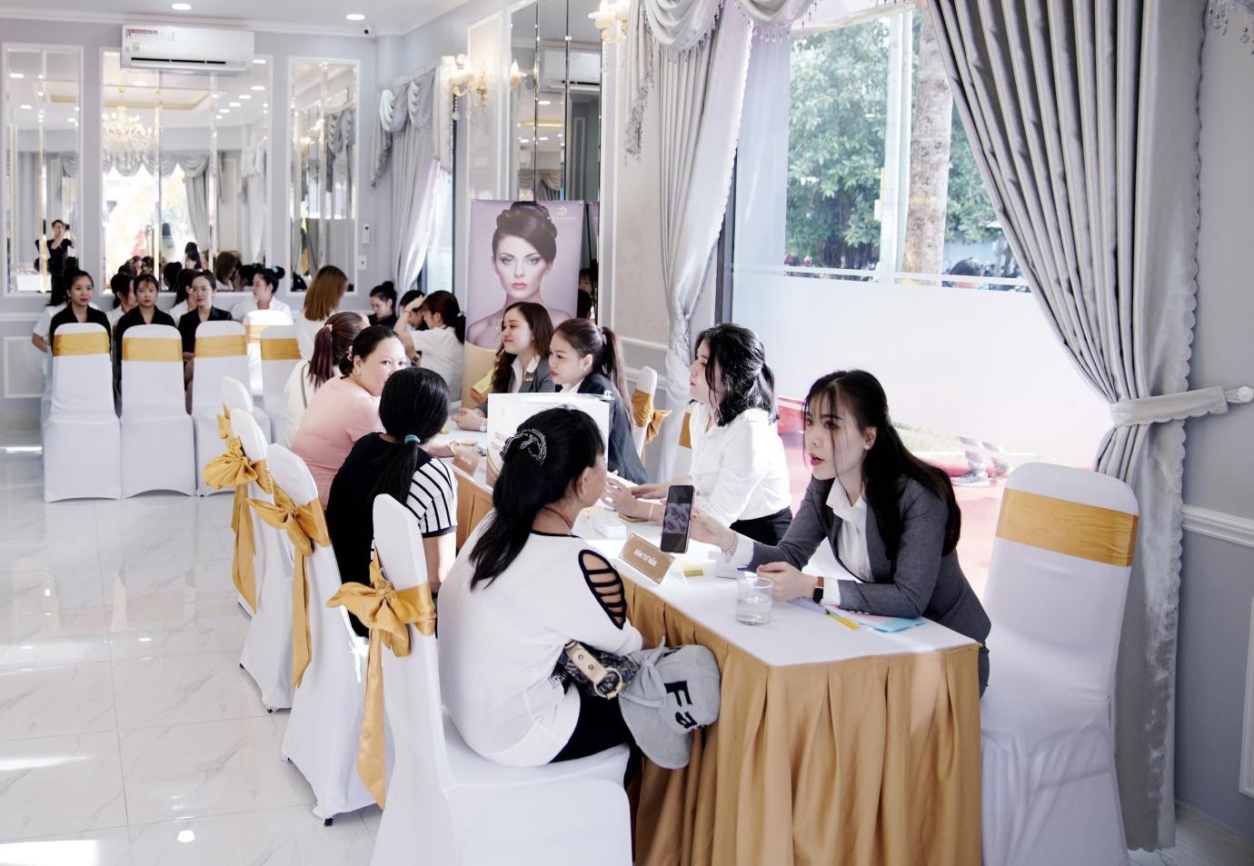 Viện thẩm mỹ Diva chi nhánh Trà Vinh kín khách trong tuần đầu khai trương - Ảnh 3.