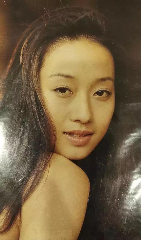 Ảnh hậu Mã Y Lợi khoe nhan sắc tuổi 20, lần đầu chia sẻ về quan điểm tình yêu sau ly hôn: Đại gia thì có gì ghê gớm - Ảnh 3.