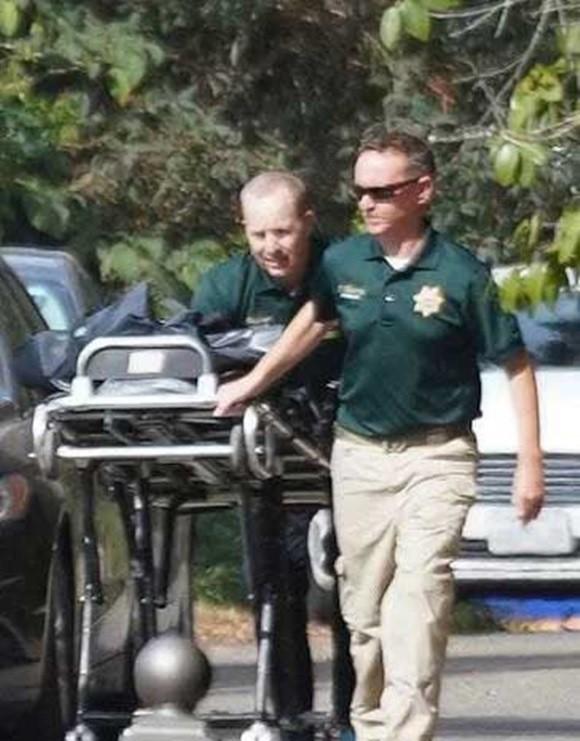 Thêm một cái chết thương tâm: Cựu Hoa hậu Florida bị con trai đâm tử vong tại nhà riêng - Ảnh 2.