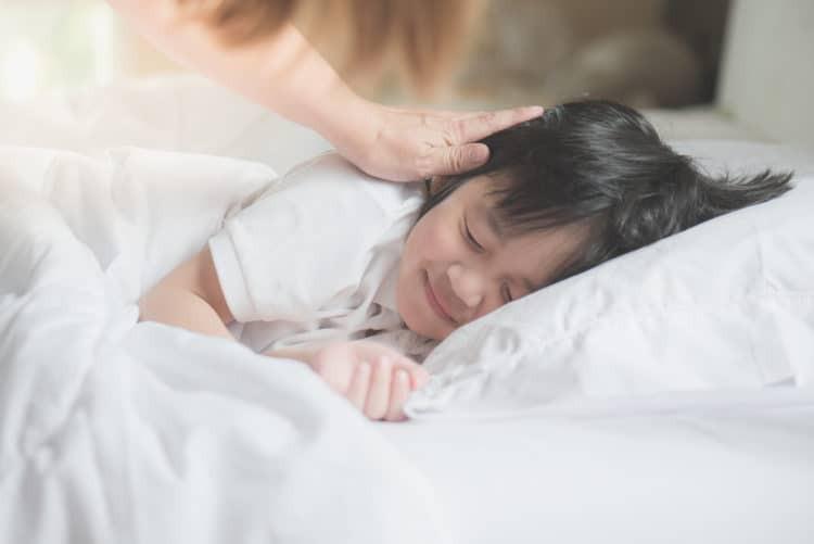 Giấc ngủ ngon cho con - món quà quý báu đầu đời bố mẹ nhất định phải thực hiện - Ảnh 4.