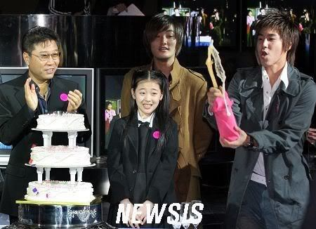 SM Entertainment gửi tâm thư xúc động trong giây phút Sulli mãi mãi ra đi: Chúng tôi sẽ không bao giờ quên dáng hình xinh đẹp và nụ cười ấm áp ấy - Ảnh 3.