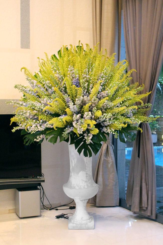 Đây là 9 bình/lẵng hoa đắt khủng khiếp trong ngày 20/10 mà nhiều chị em đã được tặng - Ảnh 1.