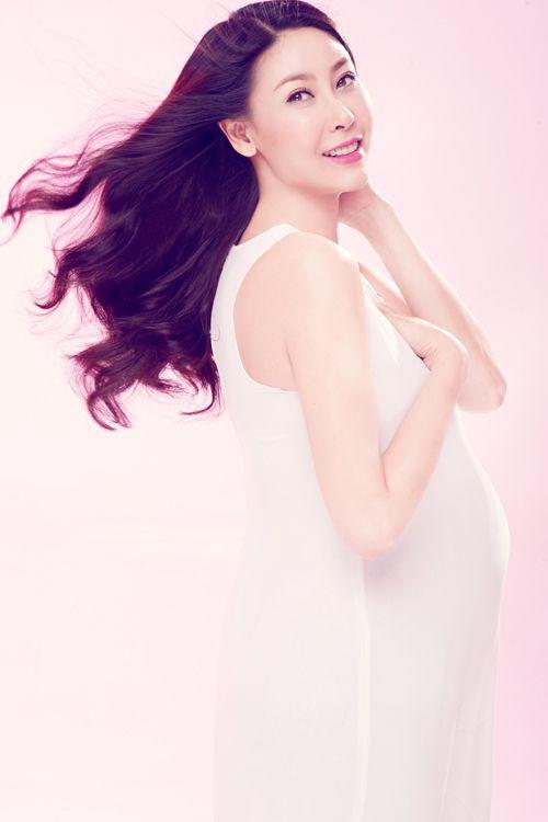 Mỹ nhân Việt mạo hiểm mang thai ở tuổi tứ tuần: Người đẹp mặn mà, người giấu nhẹm không ai biết đến khi sinh - Ảnh 5.