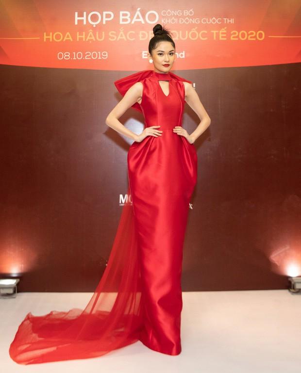 Váy cưới PHUONG MY được Harper's Bazaar Mỹ khen ngợi bên cạnh Vera Wang và Valention - Ảnh 6.