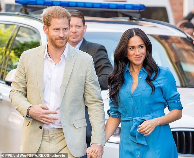"""Hoàng tử Harry thông báo khởi kiện báo Anh vì """"bắt nạt"""" Meghan Markle, phản ứng của cộng đồng mạng mới thật bất ngờ - Ảnh 1."""