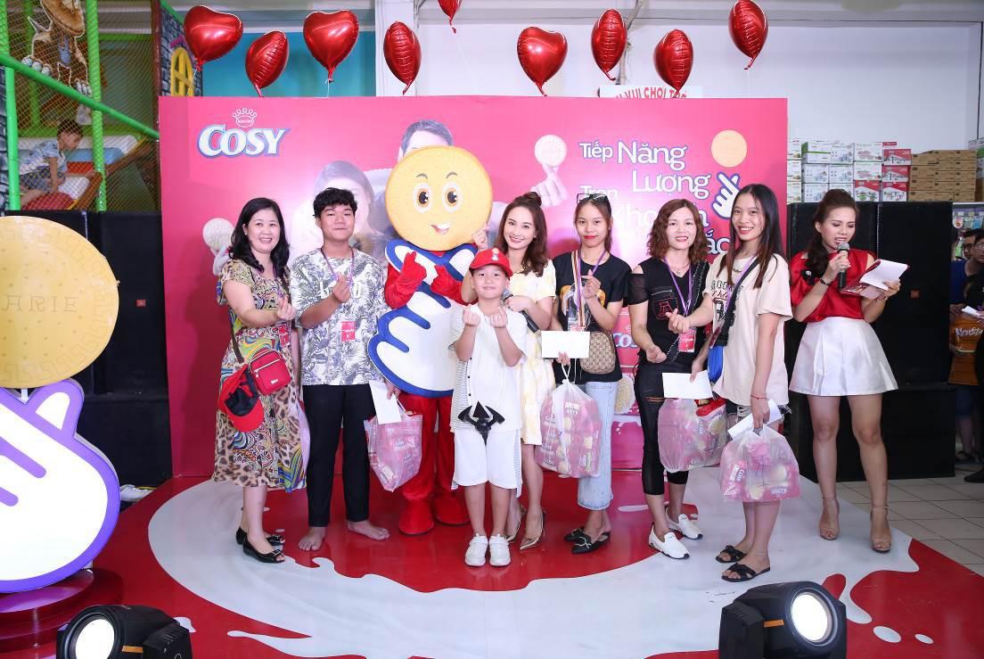Bảo Thanh tràn năng lượng khuấy động khán giả Hải Phòng cùng shopping - Ảnh 3.