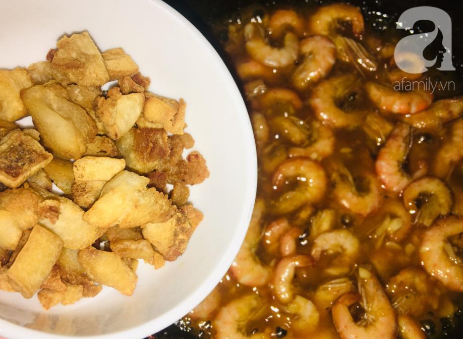 Mẹ tôi có cách làm món tôm rim muối ớt cay giòn ai ăn thử cũng hỏi cách làm - Ảnh 3.
