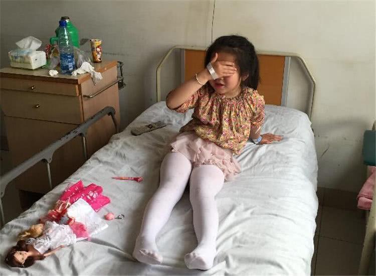 """""""Con gái rượu"""" 6 tuổi bị chảy máu vùng kín bất thường, mẹ nghe bác sĩ nói nguyên nhân mà hối hận không kịp  - Ảnh 5."""