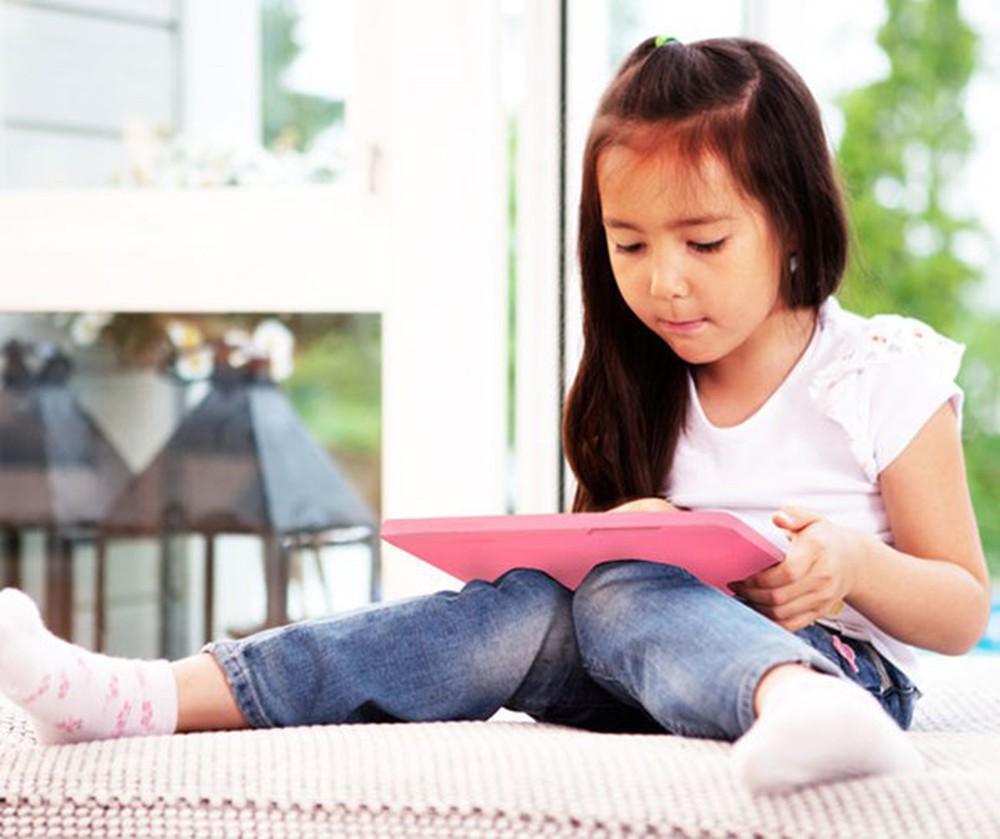 5 bí kíp bảo vệ con cái trên Internet phụ huynh Việt nên biết: Thế giới ảo nhưng nguy hiểm thật!  - Ảnh 1.