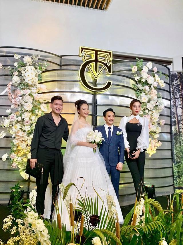 Quy định trang phục trong lễ cưới của sao Việt: Nghiêm ngặt chỉ để tránh những tình huống phát sinh - Ảnh 4.