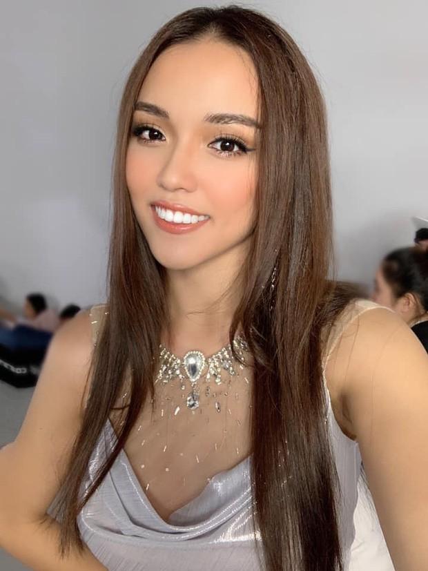 """Hé lộ danh tính và """"background khủng"""" của cô gái vừa đánh bại Á hậu Thúy Vân và dàn người đẹp nổi tiếng tại Hoa hậu Hoàn vũ Việt Nam 2019 - Ảnh 7."""