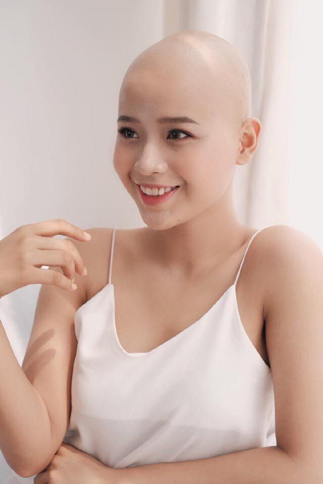 Những hình ảnh vô cùng rạng rỡ của cô gái mắc bệnh ung thư nhưng vẫn quyết đội tóc giả để tham dự cuộc thi sắc đẹp khiến bao người nể phục - Ảnh 1.