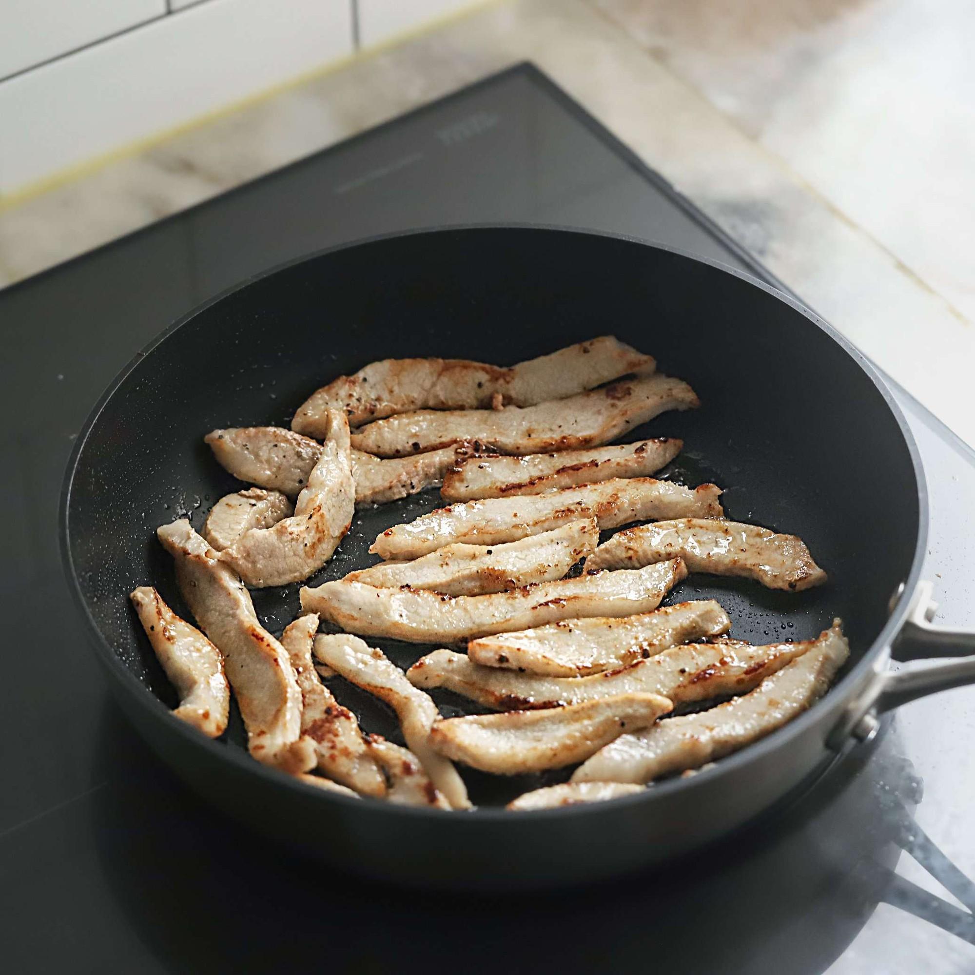 Học người Hàn làm món thịt trộn siêu tốc cho bữa tối ngon xuất sắc - Ảnh 4.