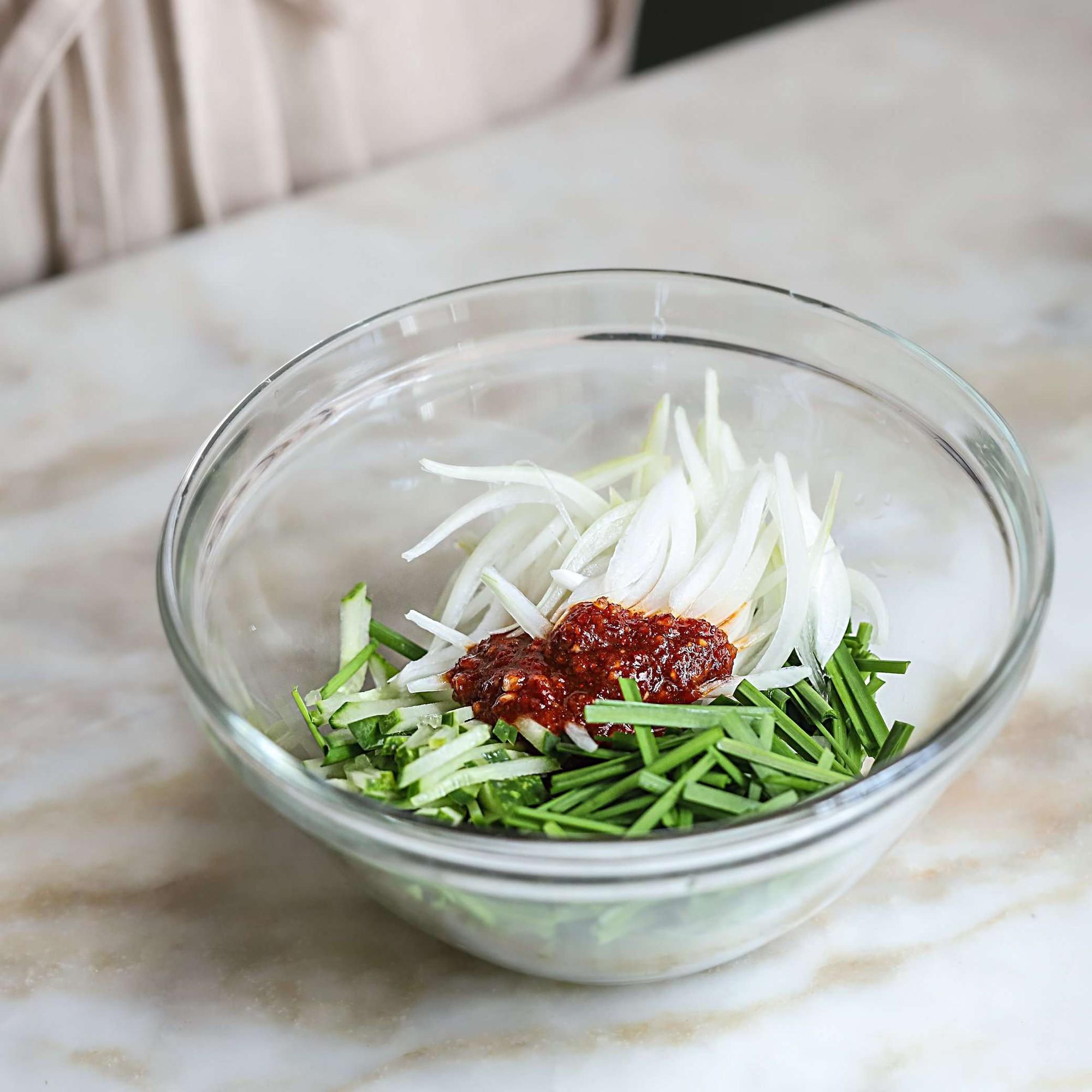Học người Hàn làm món thịt trộn siêu tốc cho bữa tối ngon xuất sắc - Ảnh 5.