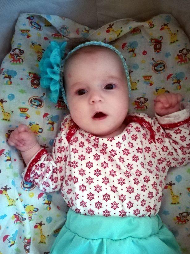 Người mẹ trẻ say xỉn trong lúc bạn nhậu tra tấn dã man và cắt lìa đầu con gái 8 tháng tuổi - Ảnh 1.