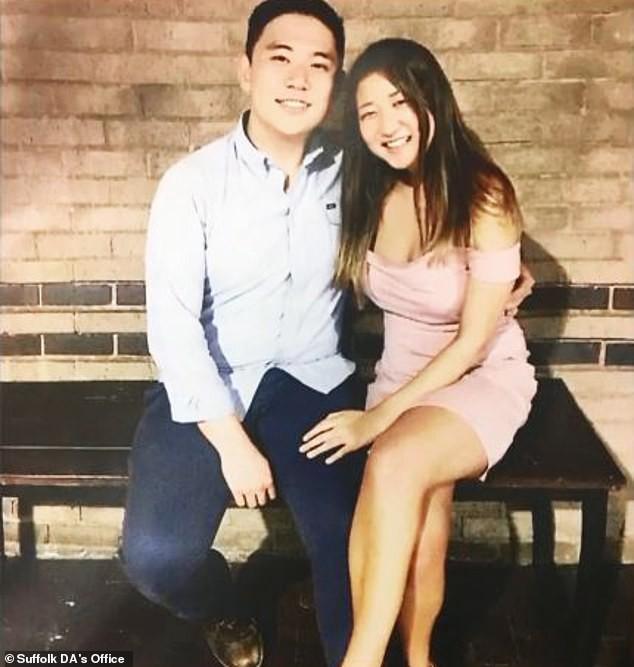 Suốt 18 tháng yêu nhau, cô gái gửi 75000 tin nhắn hối thúc bạn trai kết liễu đời mình dù biết anh bị trầm cảm nặng - Ảnh 1.