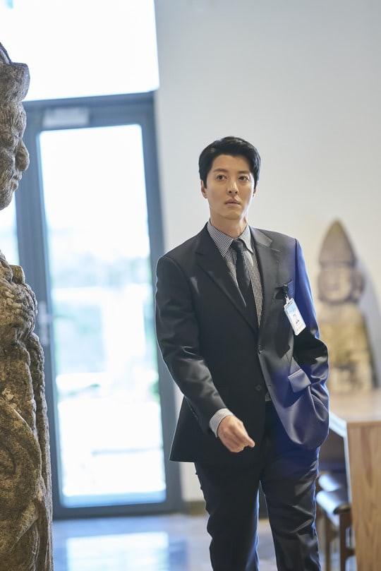 """Phim Hàn tháng 10/2019: Màn đối đầu giữa của Lee Dong Gun và Jang Nara, """"em gái mưa""""  Moon Geun Young tái xuất sau 4 năm - Ảnh 15."""