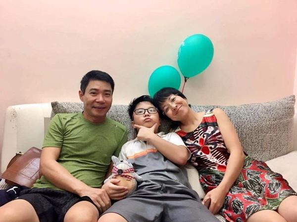 """Con trai Thảo Vân khẳng định: """"Người lớn là phải biết quản lý cảm xúc"""" khiến mẹ phát khóc - Ảnh 3."""