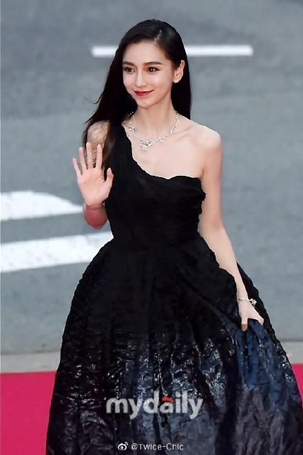 Giới truyền thông Hàn Quốc trầm trồ trước nhan sắc đẹp không tì vết của Angelababy, dù là qua những hình chưa chỉnh sửa - Ảnh 1.