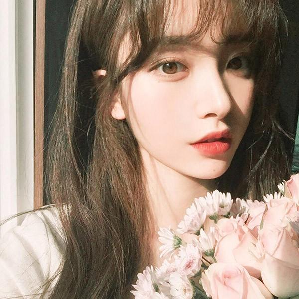 """Chỉ vì tóc mái không bết của một cô nàng Hàn Quốc, cô gái trẻ đã phát hiện bạn trai """"cắm sừng"""" nhờ vài tấm ảnh trên facebook - Ảnh 2."""