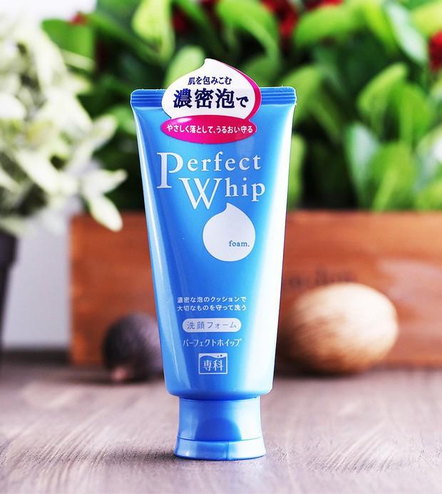 10 món skincare mà phụ nữ Nhật yêu thích, giá chỉ từ 125.000 VNĐ mà giúp da đẹp lên trông thấy - Ảnh 2.