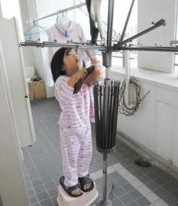 Bé gái 5 tuổi biết nấu ăn, làm việc nhà trước khi mẹ qua đời vì ung thư, giờ ra sao - Ảnh 10.