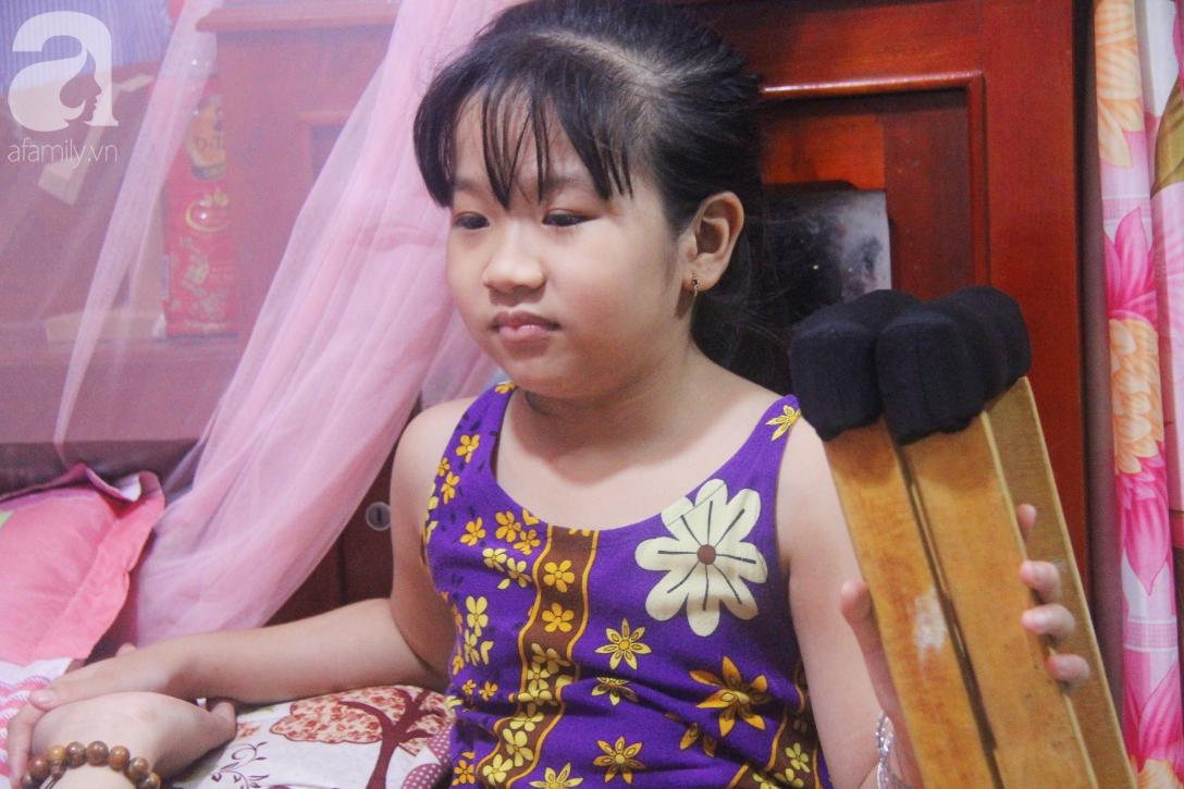 Con gái 7 tuổi bị gãy chân, chồng nằm liệt giường, người vợ bệnh tật khẩu cầu sự giúp đỡ sau vụ tai nạn kinh hoàng - Ảnh 5.