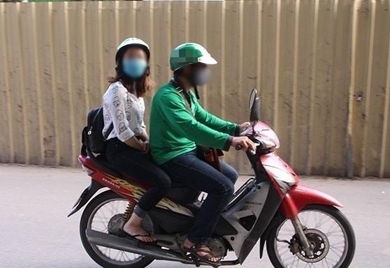 Góc cảnh giác: Bé gái đi học bằng ôm bị tài xế ép xem phim khiêu dâm, may mắn tự cứu được mình bằng hành động can đảm - Ảnh 2.