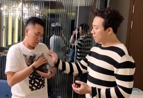"""Chỉ qua một clip, vợ chồng Trấn Thành - Hari Won gây bất ngờ vì độ """"lật mặt"""" đáng sợ với chính nhân vật được cặp đôi chăm sóc lâu nay - Ảnh 3."""