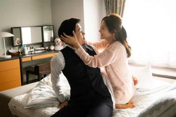 """Phim vừa tạo ra """"cú nổ"""" lớn tại Hàn, Jang Nara tiết lộ xấu hổ vì phải diễn cảnh hôn đầy mùi mẫn với nam chính - Ảnh 5."""