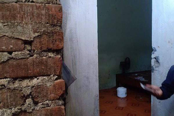 Người phụ nữ ở Lào Cai tử vong trong tư thế treo cổ ở nhà tắm - Ảnh 1.