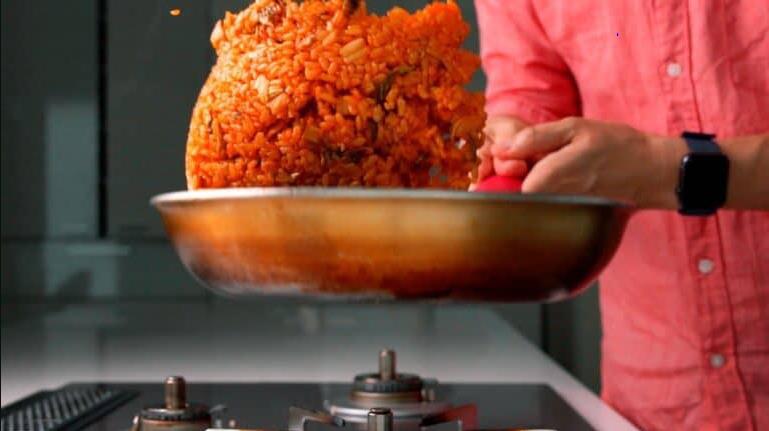 """Mùa đông thì phải học ngay người Hàn làm món cơm chiên """"chuẩn chỉnh"""" này - Ảnh 4."""