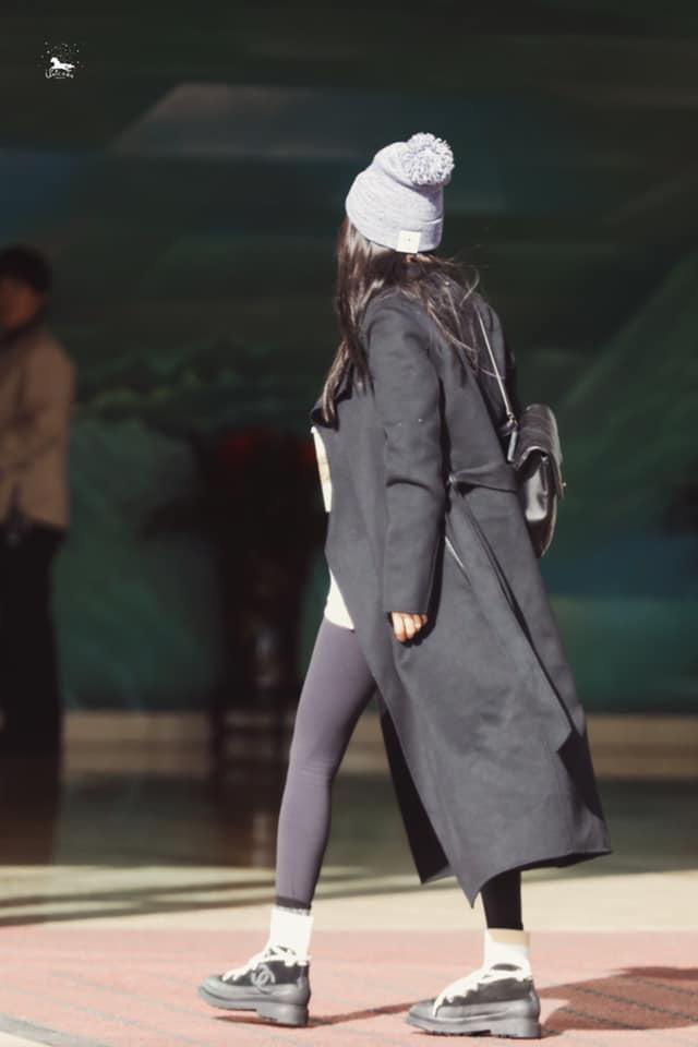 Dương Mịch thủ vai bác sĩ xinh đẹp, cặp kè cùng mỹ nam Bạch Vũ trong phim mới - Ảnh 3.