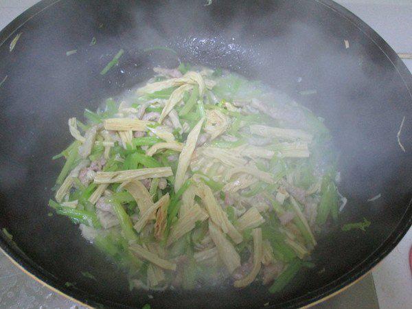 Món thịt xào làm chỉ trong 15 phút nhưng ăn ngon miễn bàn - Ảnh 5.