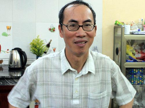 """Tiến sĩ Lê Bá Khánh Trình múa phụ hoạ """"Bụi phấn"""" cho học sinh hát: Bao lâu rồi chúng ta mới thầy trò hòa đồng, gần gũi đến thế! - Ảnh 3."""