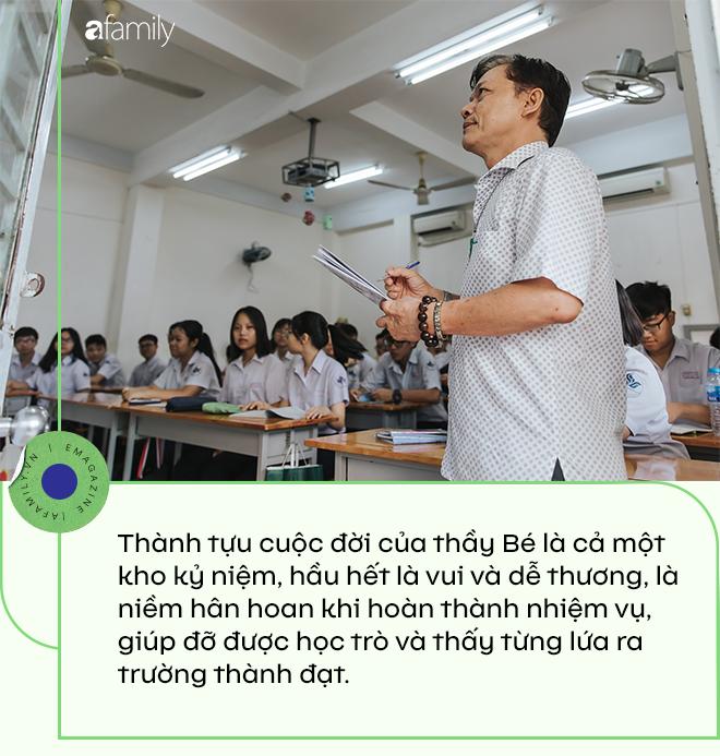 """Thầy giám thị """"độc nhất vô nhị"""" ở Sài Gòn, 21 năm được học sinh say mê, nghỉ hưu rồi học trò buồn vì mất người """"bảo vệ""""  - Ảnh 10."""