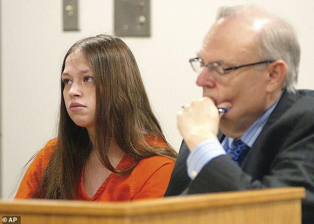 Sợ 3 cậu con trai lớn lên sẽ ngược đãi phụ nữ, người mẹ ra tay sát hại từng đứa trẻ và bản án gây phẫn nộ - Ảnh 1.