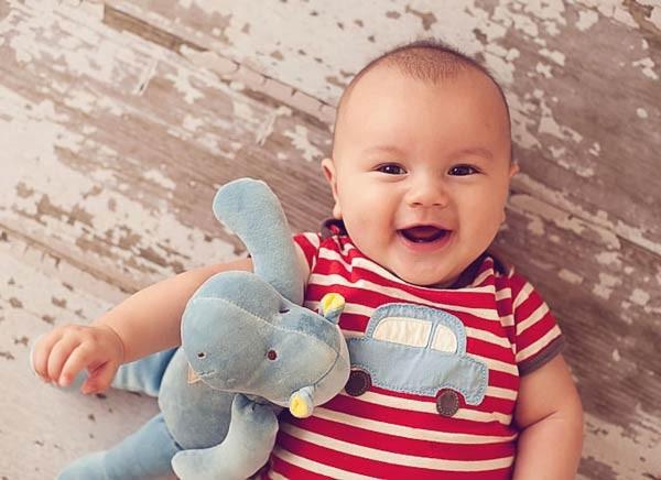 4 tháng tuổi - cột mốc quan trọng đánh dấu sự phát triển vượt bậc về thể chất và nhận thức của bé - Ảnh 1.