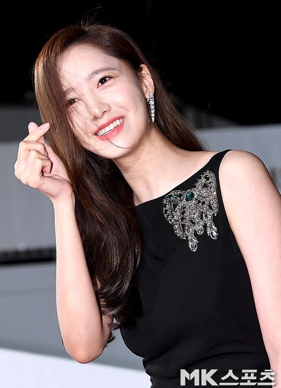Những tưởng là tường thành nhan sắc khó ai có thể vượt qua được, nhưng Yoona vẫn bị mất điểm vì lộ khoảnh khắc này - Ảnh 2.