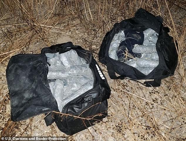 Cậu trai 16 tuổi bị bắt quả tang dùng ô tô đồ chơi để buôn lậu 25kg ma túy đá qua biên giới Mỹ - Mexico - Ảnh 2.