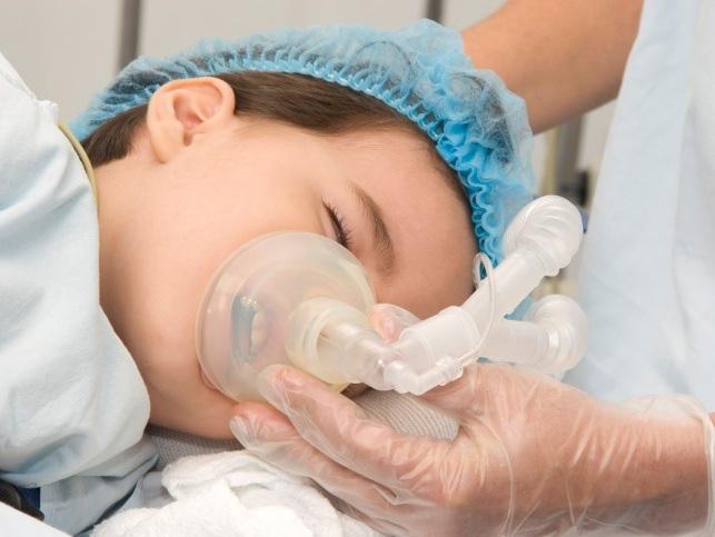 Từ vụ 2 sản phụ tử vong, 1 nguy kịch sau khi gây tê tủy sống trong sinh mổ, mẹ cần biết trường hợp nào không nên áp dụng - Ảnh 3.