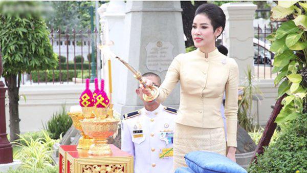 Rò rỉ một số hình ảnh về nơi ở của cựu Hoàng quý phi Thái Lan bị phế truất khiến cộng đồng mạng xôn xao. - Ảnh 1.