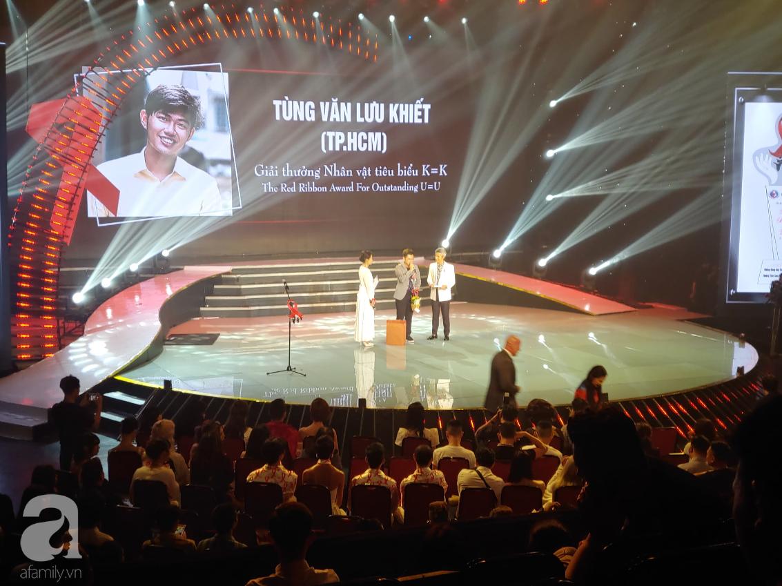 Xúc động buổi lễ trao giải thưởng Dải Băng Đỏ giành cho người sống chung với HIV lần cuối cùng - Ảnh 3.